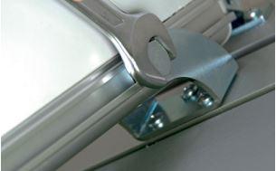 Einfache Montage des elektrischen Fensterantriebs AIRWIN